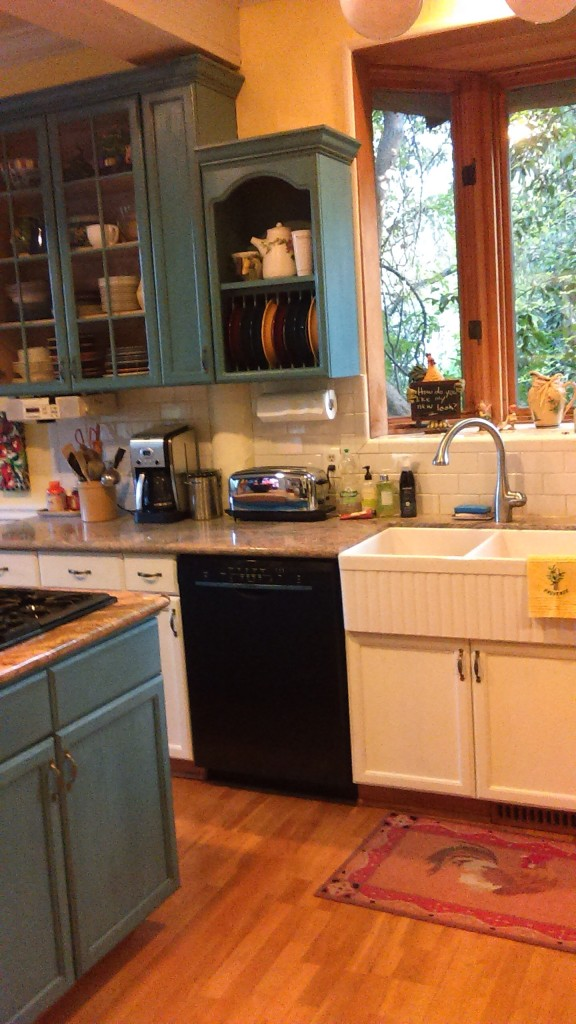 Cabinet Painting Class this Saturday. Paint your kitchen cabinets now, to enjoy this holiday season!