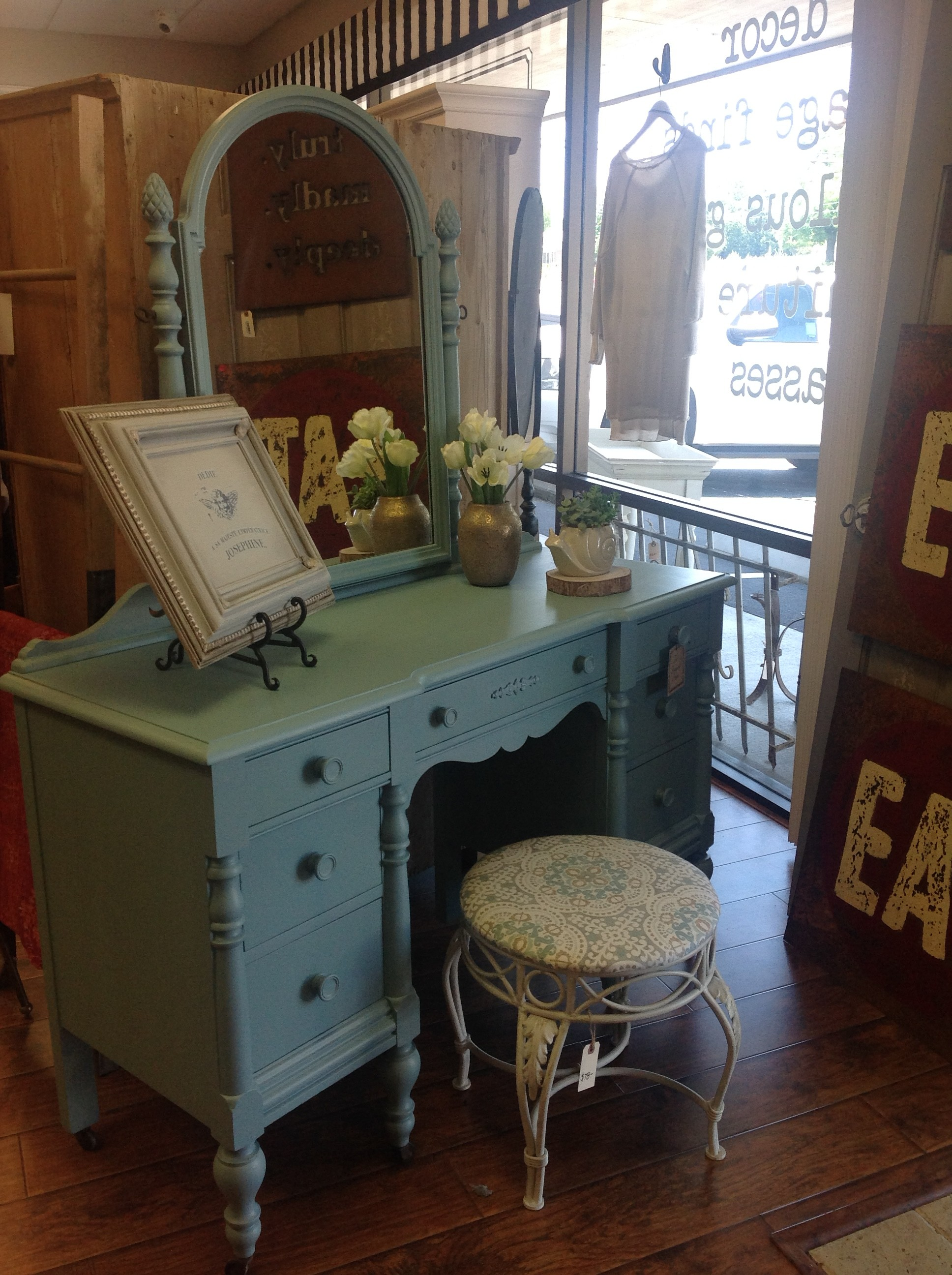 Free Furniture Painting Demo at the Shop, on Saturday! - The
