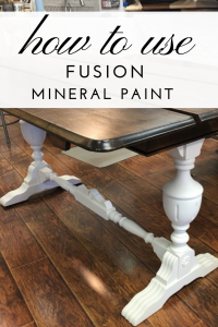 Fusion Mineral Paint is so easy to use and it creates the best furniture transformations! #thetreasurehome #paintedfurniture #beforeandafter #furniturepaint #bestfurniturepaint