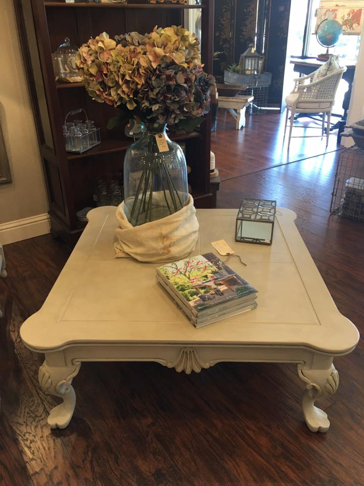 Painted coffee table using Fusion Mineral Paint custom glaze color